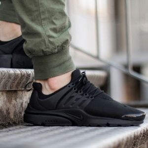 Men's Nike Air Presto Essential (Size 13)